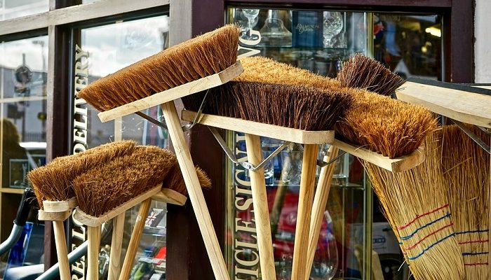 Dreams About Broom – Meaning and Interpretation