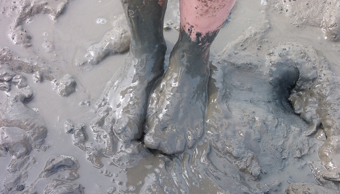 Dreams About Mud – Meaning and Interpretation